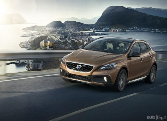Volvo V40 Cross Country: foto, video e dettagli