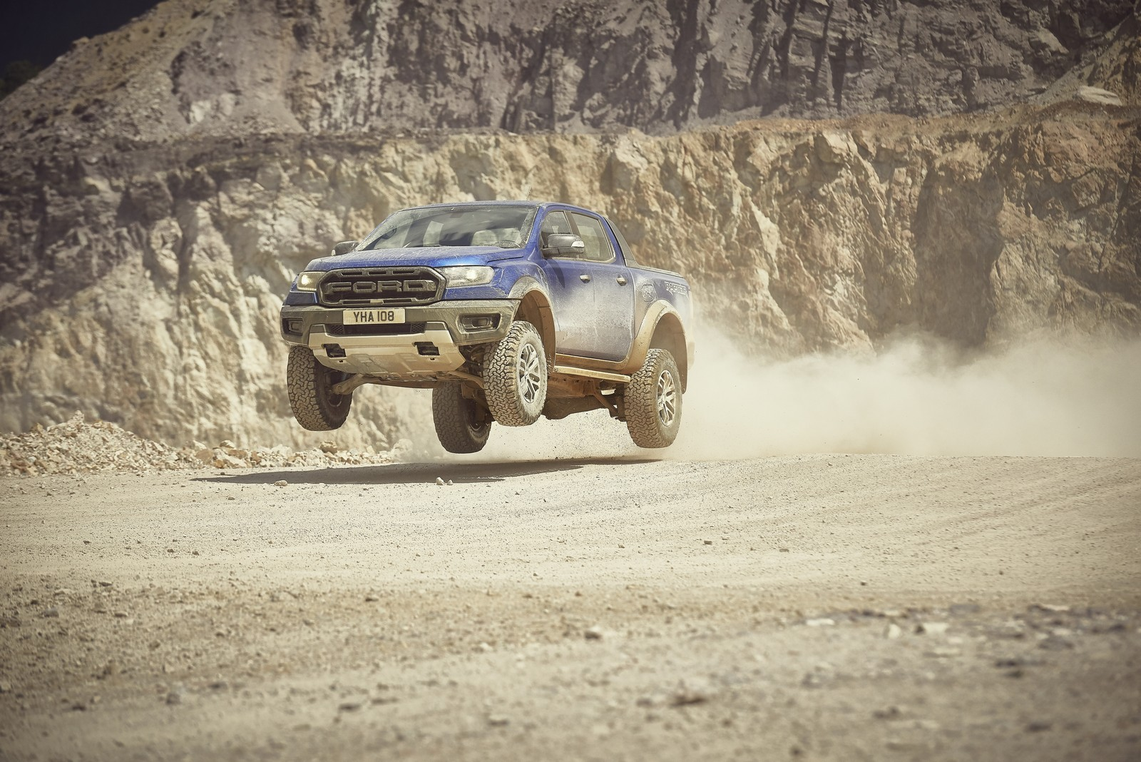 ford ranger raptor anche in europa il pick up video. Black Bedroom Furniture Sets. Home Design Ideas