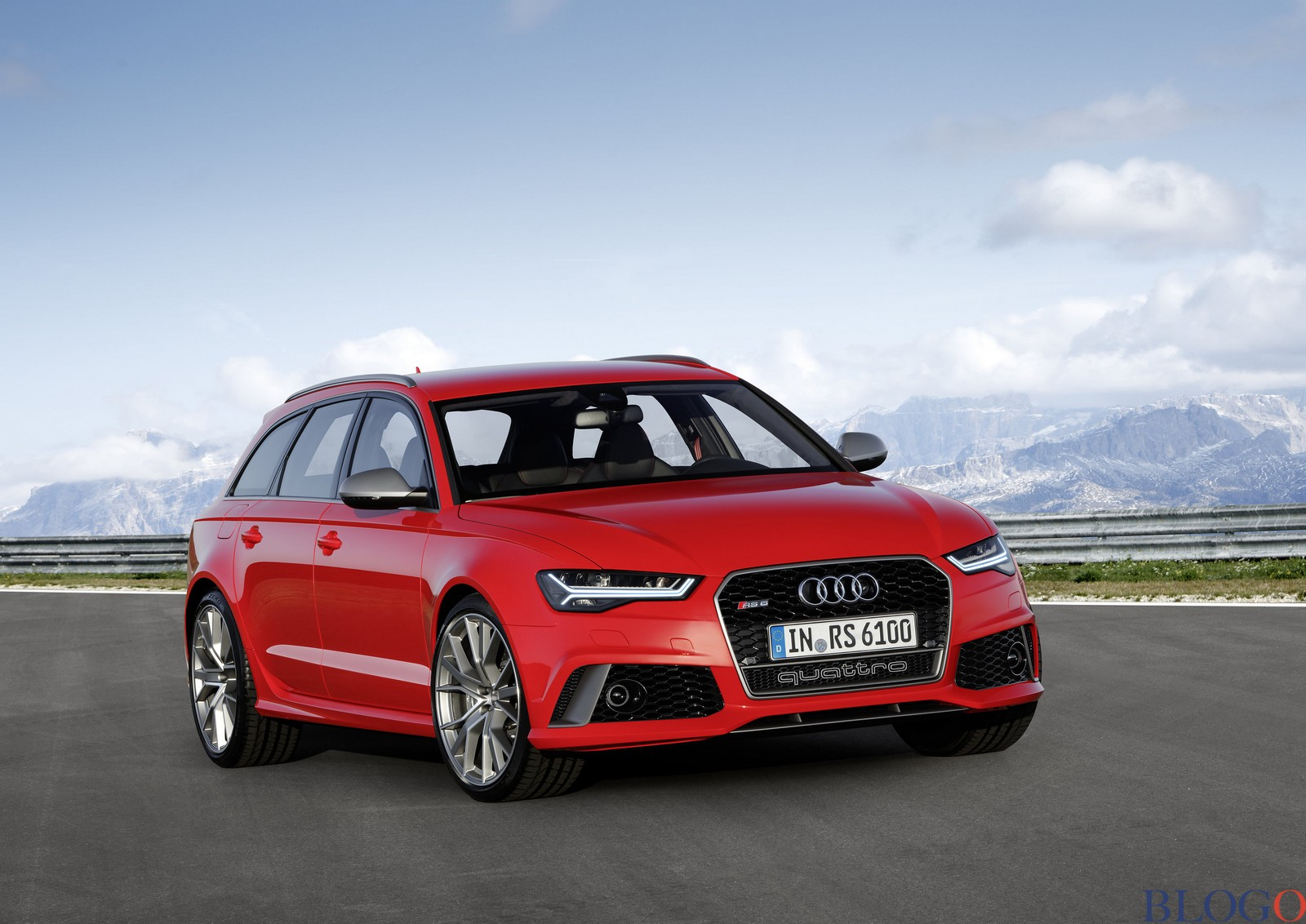 Nuove Audi Rsq2 Rsq5 Rs6 Ed Rs7 Sportback
