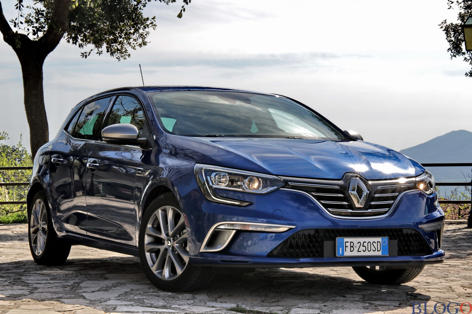 prova su strada renault megane dci 130 cv. Black Bedroom Furniture Sets. Home Design Ideas