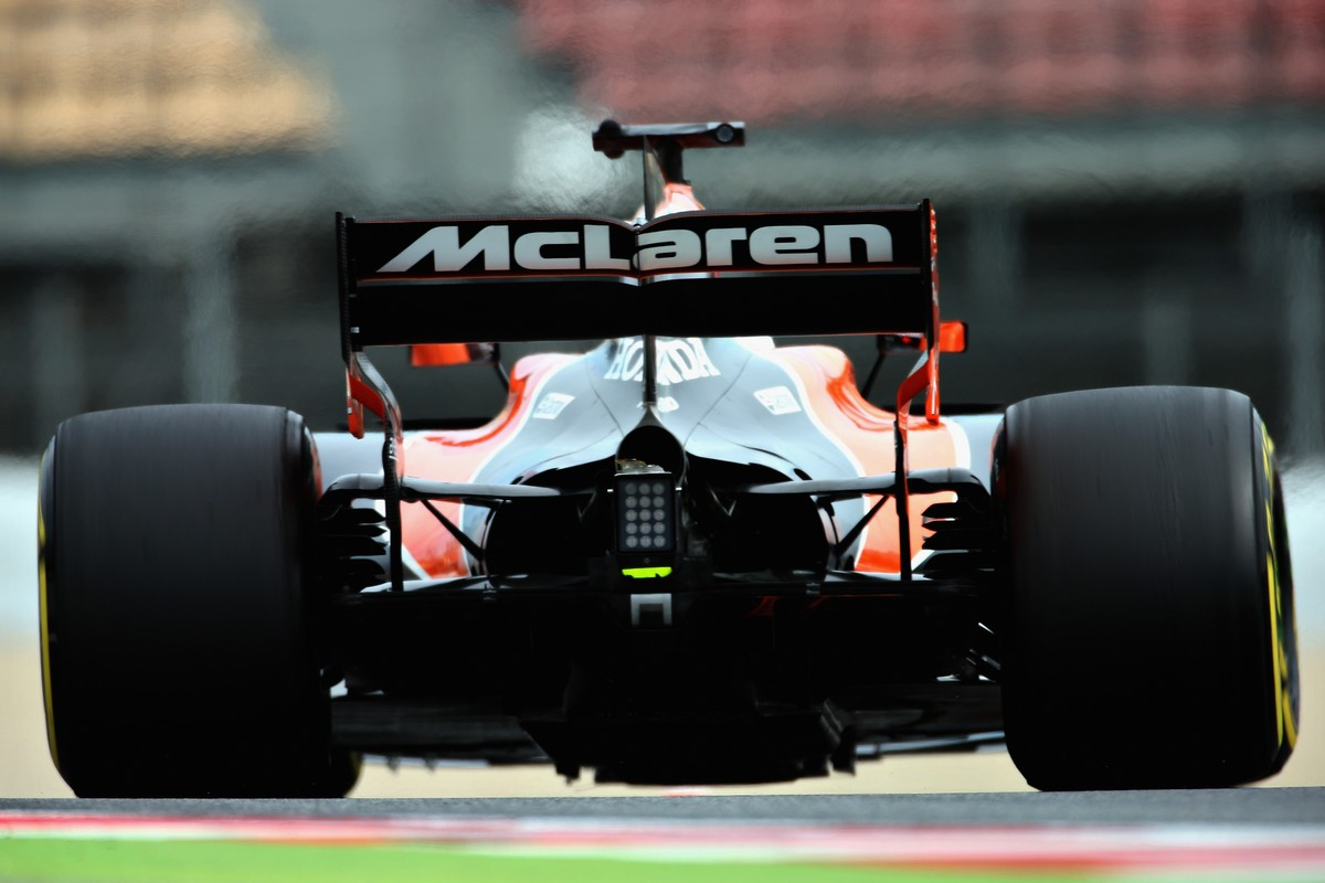 MONTMELO, SPAIN - MARCH 08: Fernando Alonso of Spain driving the (14) McLaren Honda Formula 1 Team McLaren MCL32 on track  during day two of Formula One winter testing at Circuit de Catalunya on March 8, 2017 in Montmelo, Spain.  (Photo by Charles Coates/Getty Images)
