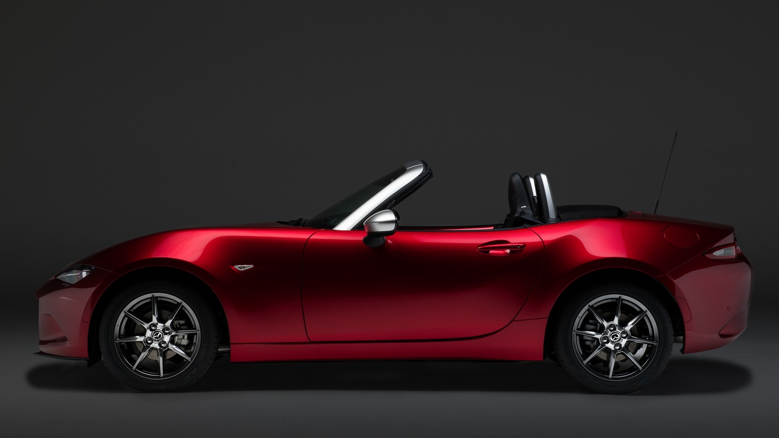 mazda mx 5 limited edition pollini heritage. Black Bedroom Furniture Sets. Home Design Ideas