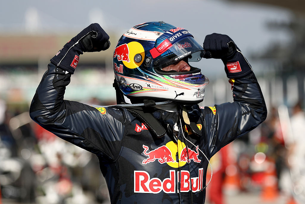 KUALA LUMPUR, MALAYSIA - OCTOBER 02:  Daniel Ricciardo of Australia and Red Bull Racing celebrates his win in parc ferme during the Malaysia Formula One Grand Prix at Sepang Circuit on October 2, 2016 in Kuala Lumpur, Malaysia.  (Photo by Clive Rose/Getty Images)