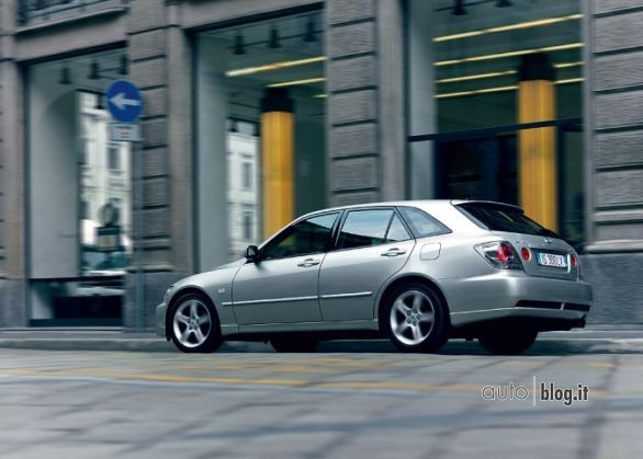 lexus_is_sportcross
