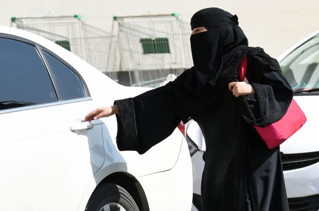 saudi_arabia_woman_driving