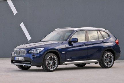 bmw x1 debuttano le sdrive18i e xdrive25i. Black Bedroom Furniture Sets. Home Design Ideas
