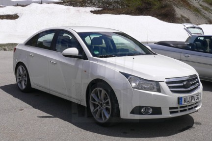 Buick: una berlina su base Chevrolet Cruze?