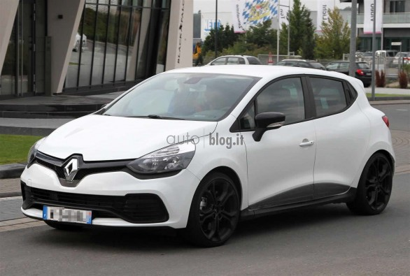 renault clio rs foto spia