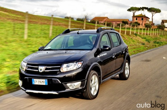la nostra prova su strada della dacia sandero stepway. Black Bedroom Furniture Sets. Home Design Ideas