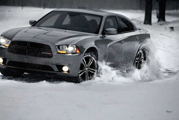 2013_dodge_charger_awd_sport