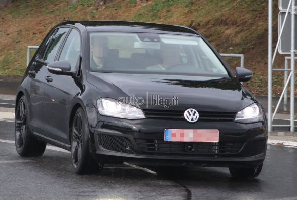 volkswagen_golf_r_2013