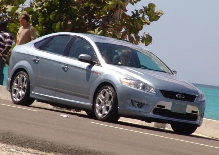 Ford Mondeo berlina - spy shot