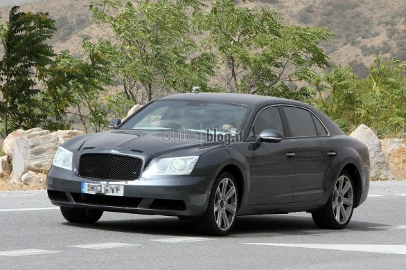 foto spia Bentley Continental Flying Spur V8