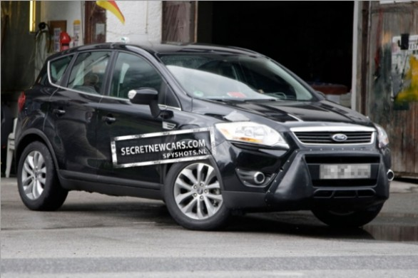 Foto spia Ford Kuga restyling