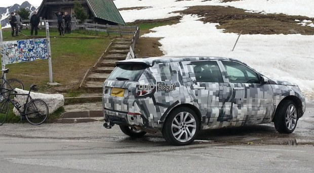 2014 - [Land Rover] Discovery Sport [L550] - Page 4 Foto-spia-land-rover-discovery-03