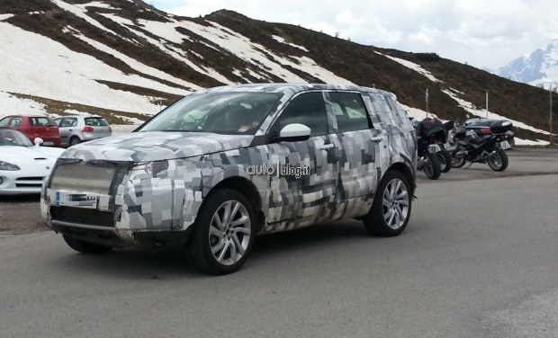 2014 - [Land Rover] Discovery Sport [L550] - Page 4 Foto-spia-land-rover-discovery-04
