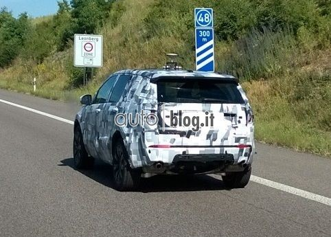 2014 - [Land Rover] Discovery Sport [L550] - Page 4 Spyshots-2015-land-rover-discovery-sport-01