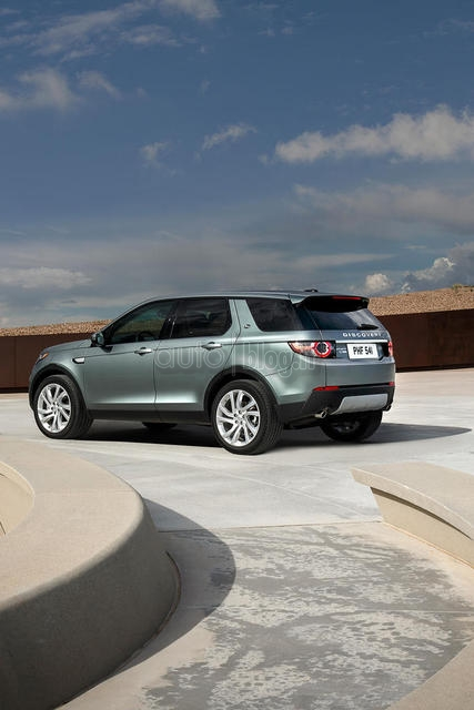 land-rover-discovery-sport-2015-10