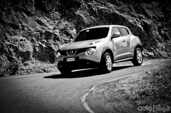 nissan juke dig t 190 cv video test autoblog. Black Bedroom Furniture Sets. Home Design Ideas
