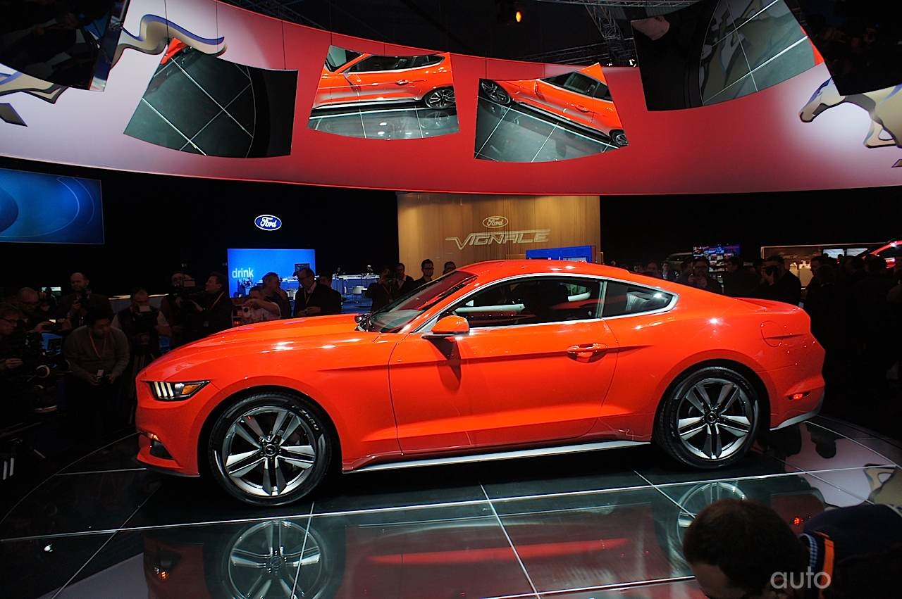 ufficiale ford mustang mustang cabrio 2015. Black Bedroom Furniture Sets. Home Design Ideas
