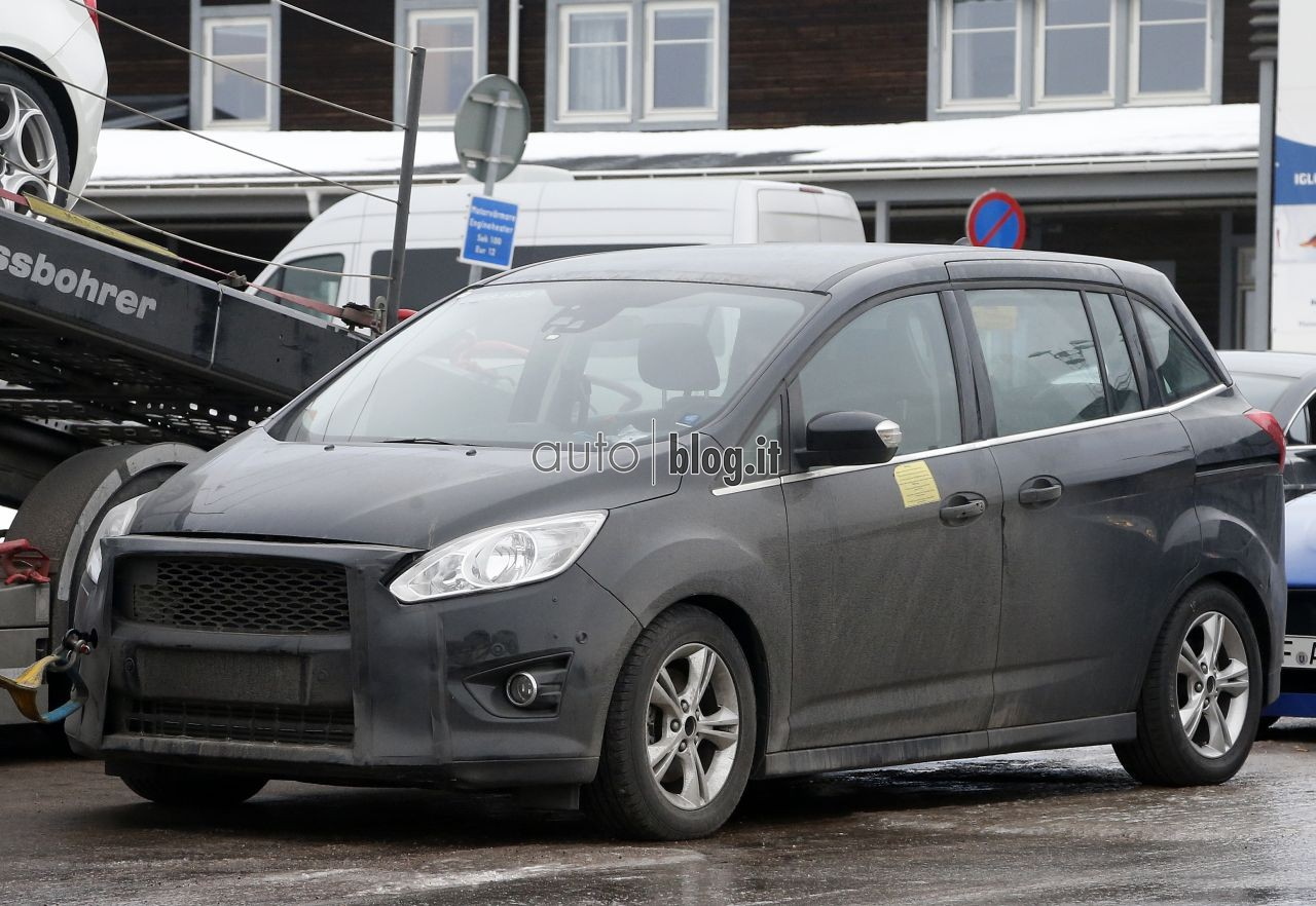 2014 - [Ford] C-Max Restylé - Page 2 Spyshots-2015-ford-c-max-03