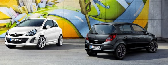Opel Corsa All White & All Back