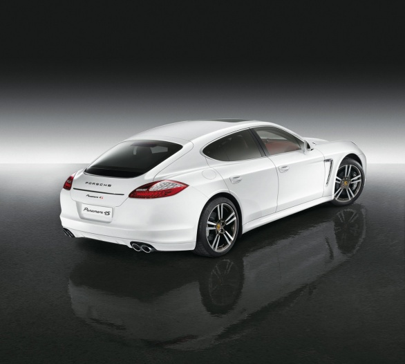 Panamera 4S Middle East Edition