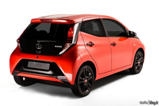 toyota aygo. Black Bedroom Furniture Sets. Home Design Ideas