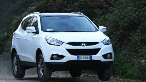 hyundai ix35 2 0 crdi 136 cv long drive test. Black Bedroom Furniture Sets. Home Design Ideas