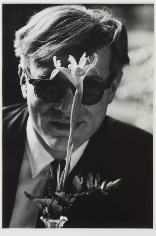 Dennis Hopper, Andy Warhol with Flower © The Hopper Art Trust, Courtesy of The Hopper Art Trust and Gagosian Gallery