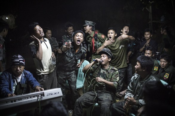 09 DAILY LIFE SINGLES - Julius Schrank, Germany, for de Volkskrant, Kachin fighters, Burma © World Press Photo of the Year 2013
