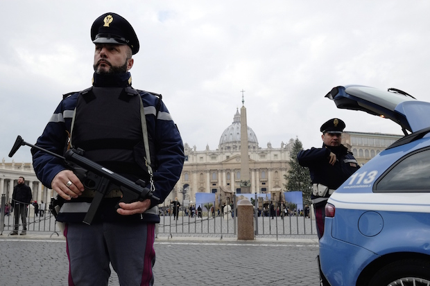 ITALY-VATICAN-SECURITY-POLICE