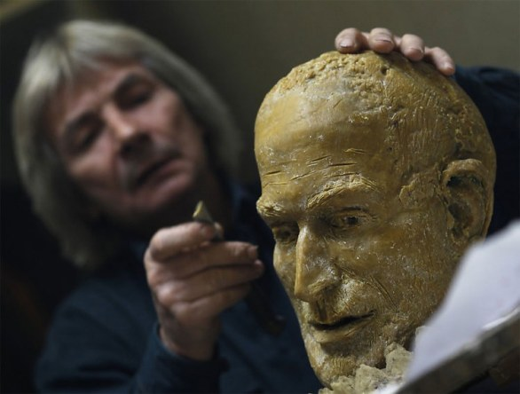 Statua di Steve Jobs in Ungheria: il making of
