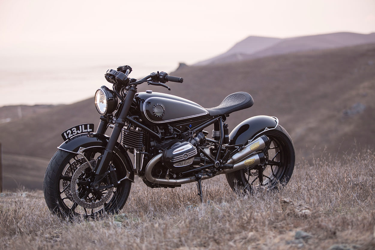 bmw r ninet la nuova creazione di roland sands design. Black Bedroom Furniture Sets. Home Design Ideas