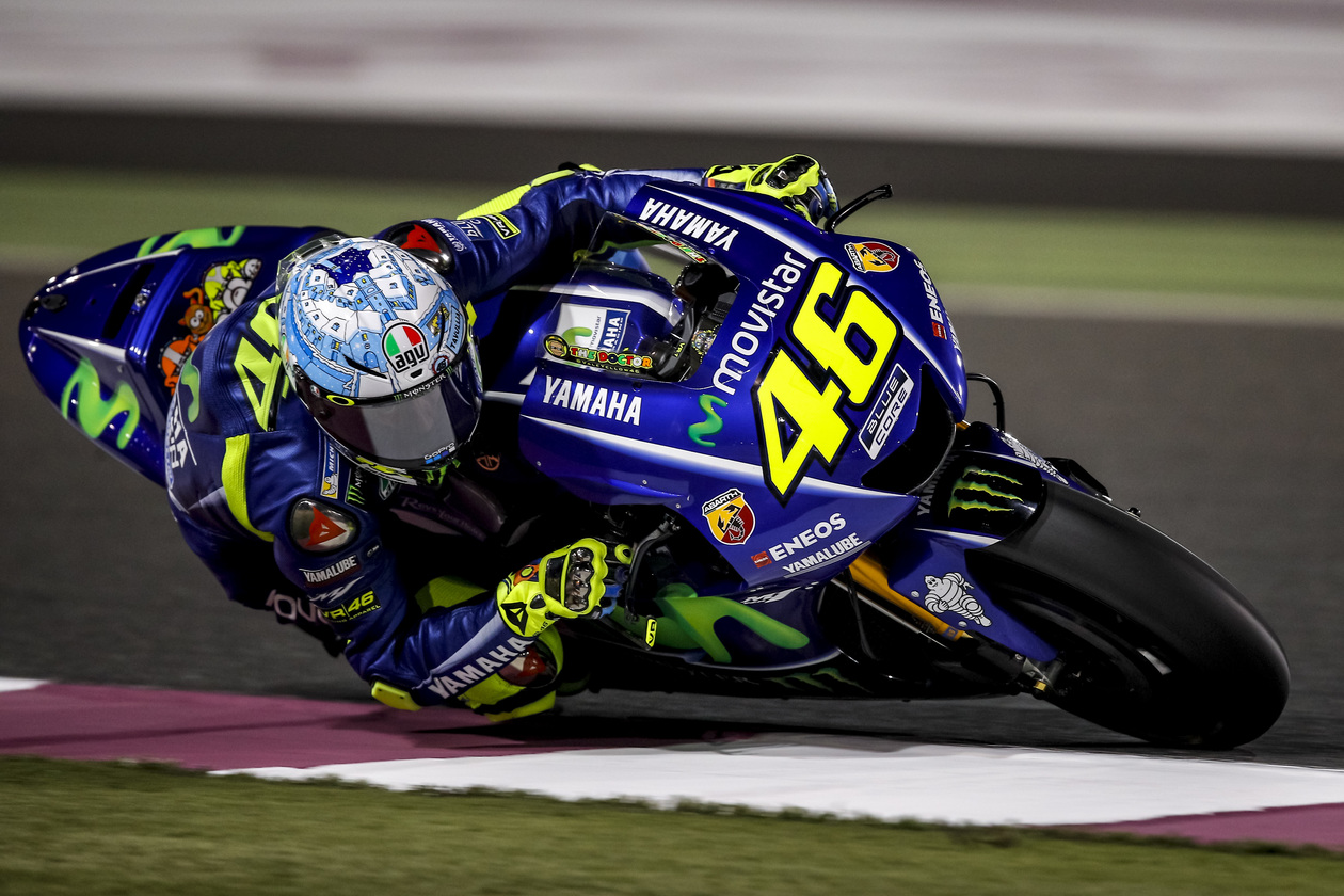 motogp test qatar 2017 valentino rossi grandi miglioramenti. Black Bedroom Furniture Sets. Home Design Ideas