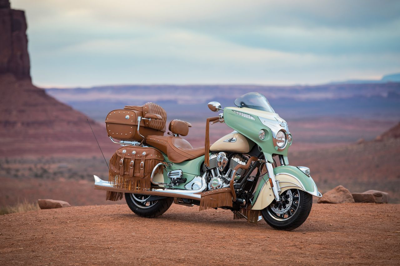2017_indian_roadmaster_classic_accessorized_31.jpg