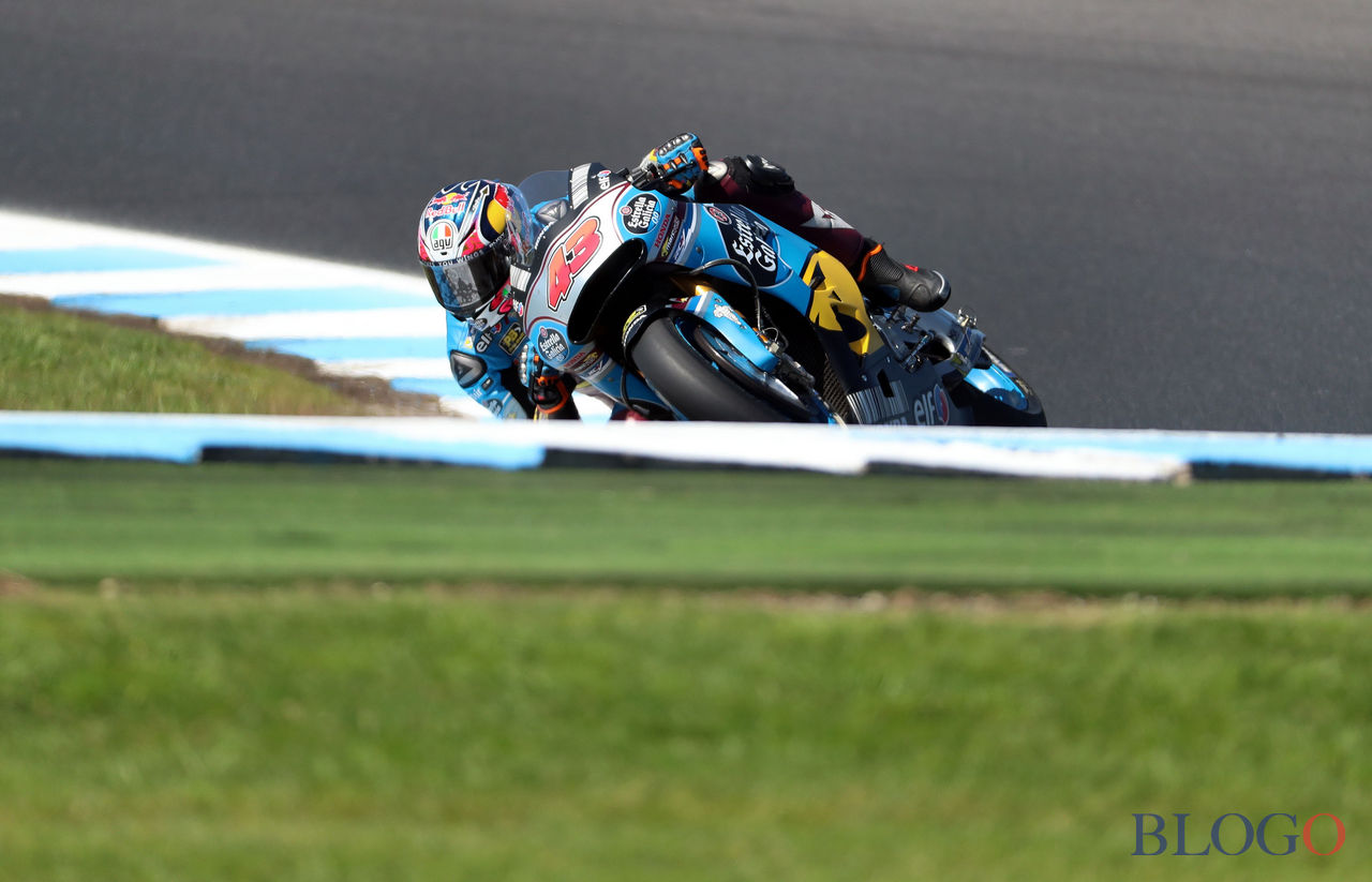 EG 0,0 Marc VDS' Australian rider Jack Miller powers his machine at a corner during the first practice session of the Australian MotoGP Grand Prix at Phillip Island on October 20, 2017.  / AFP PHOTO / GLENN NICHOLLS / -- IMAGE RESTRICTED TO EDITORIAL USE - STRICTLY NO COMMERCIAL USE --        (Photo credit should read GLENN NICHOLLS/AFP/Getty Images)