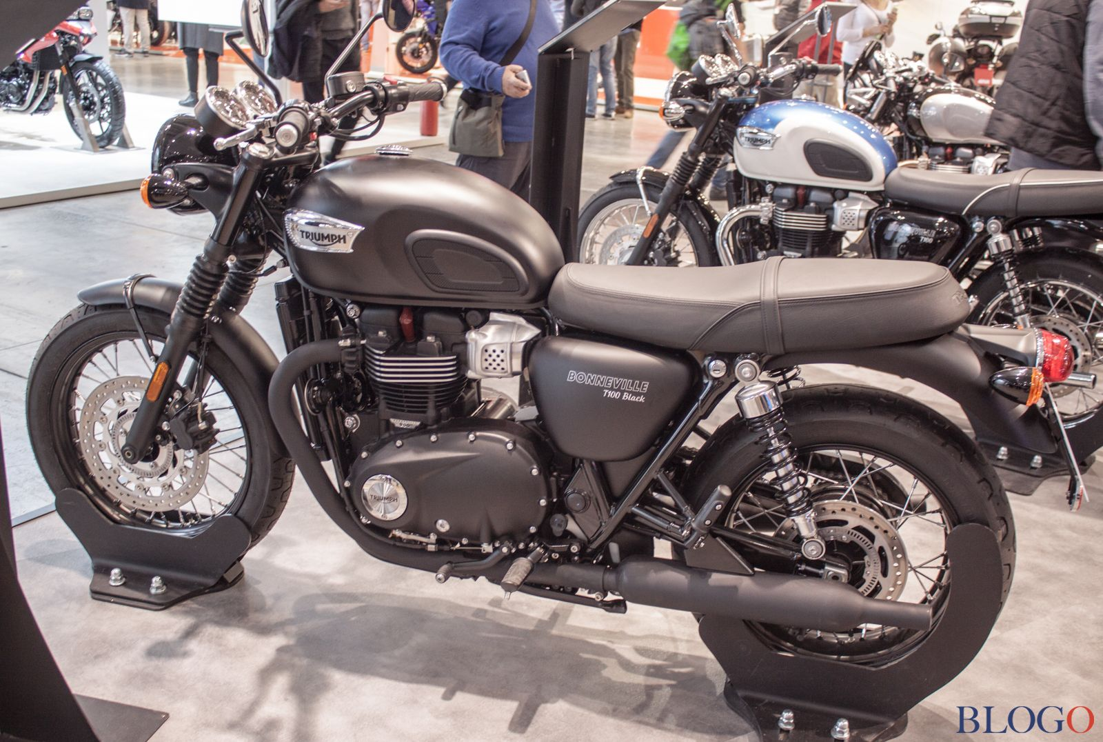 triumph bonneville t100 e t100 black 2017. Black Bedroom Furniture Sets. Home Design Ideas