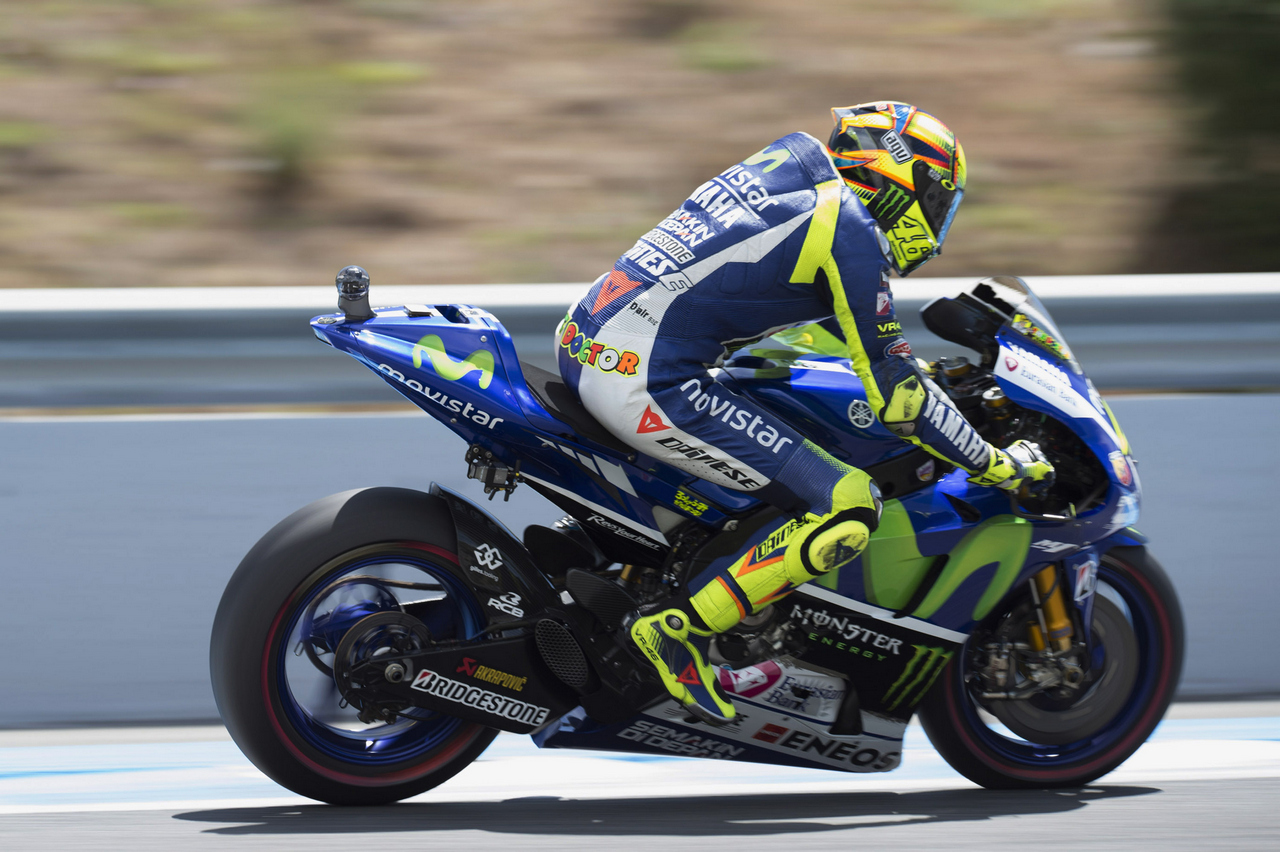 JEREZ DE LA FRONTERA, SPAIN - MAY 01:   Valentino Rossi of Italy and Movistar Yamaha MotoGP heads down a straight during the MotoGp of Spain - Free Practice at Circuito de Jerez on May 1, 2015 in Jerez de la Frontera, Spain.  (Photo by Mirco Lazzari gp/Getty Images)