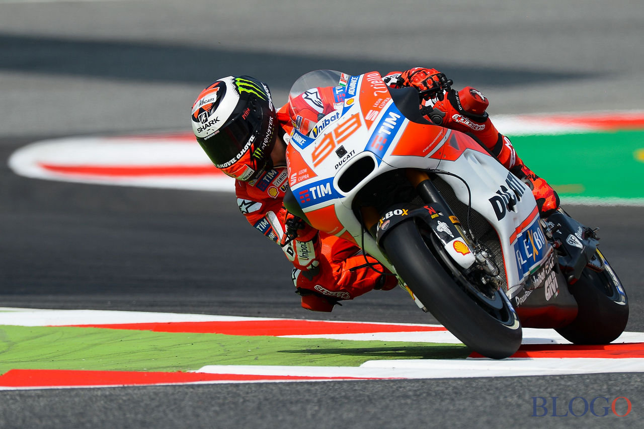 Ducati Team's Spanish rider Jorge Lorenzo takes a chicane during the first MotoGP free practice session of the Moto Grand Prix de Catalunya at the Circuit de Catalunya on June 9, 2017 in Montmelo on the outskirts of Barcelona. / AFP PHOTO / Josep LAGO        (Photo credit should read JOSEP LAGO/AFP/Getty Images)