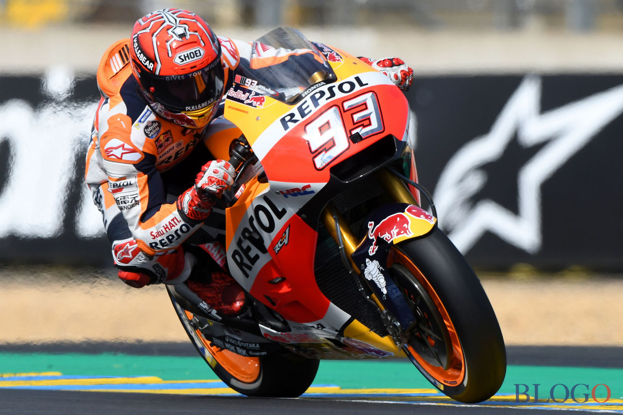 TOPSHOT - Spain's rider Marc Marquez competes on his Repsol Honda Team MOTOGP N°93 during a motoGP free practice session, ahead of the French motorcycling Grand Prix, on May 20, 2017 in Le Mans, northwestern France.  / AFP PHOTO / JEAN-FRANCOIS MONIER        (Photo credit should read JEAN-FRANCOIS MONIER/AFP/Getty Images)