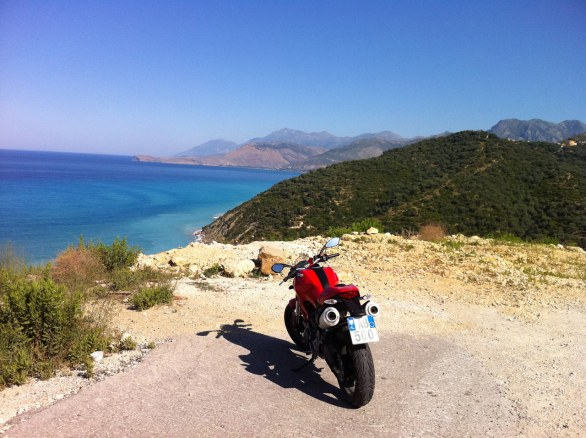 Foto del giorno: Monster 696 in Albania