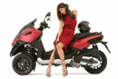 Gilera Fuoco 500ie red woman