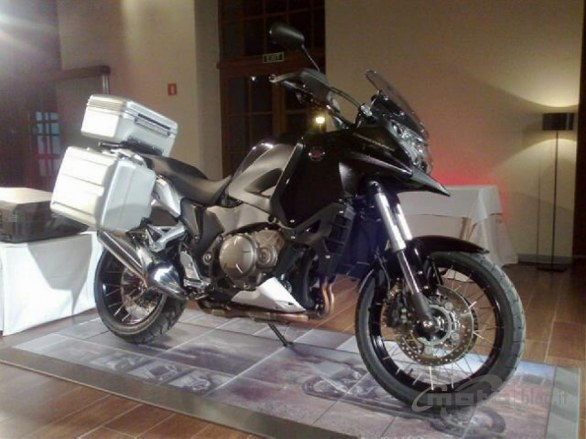 Honda Crosstourer 1200: Live @ Press Test di Terragona