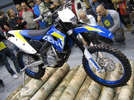 eicma husaberg 450 fe. Black Bedroom Furniture Sets. Home Design Ideas