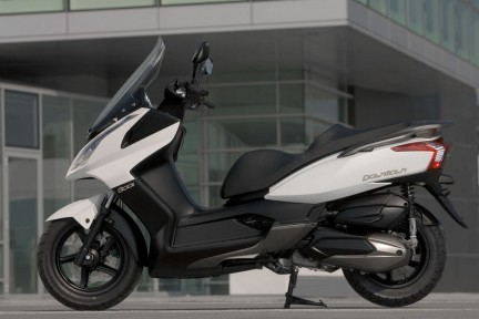 Nuovo scooter Kymco Downtown 300i