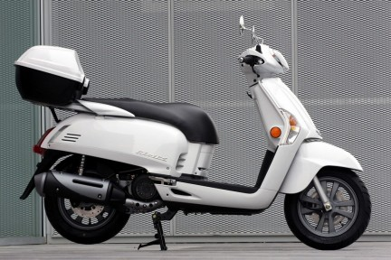 Nuovo scooter retrò Kymco Like 125/50
