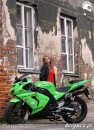 ZX 10 R with girl
