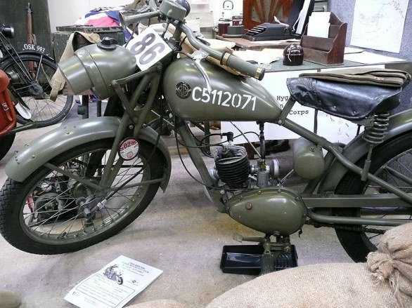Moto militira: Royal Enfield Flying Flea anni \\\'40