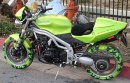 Speed Triple con gomme colorate Tomawawk